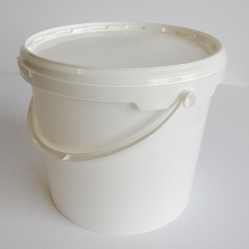 10 PLASTIC CONTAINERS & LIDS - WHITE
